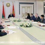 Лукашенко: Беларусь должна остаться президентской республикой, но власть должна быть сбалансированной